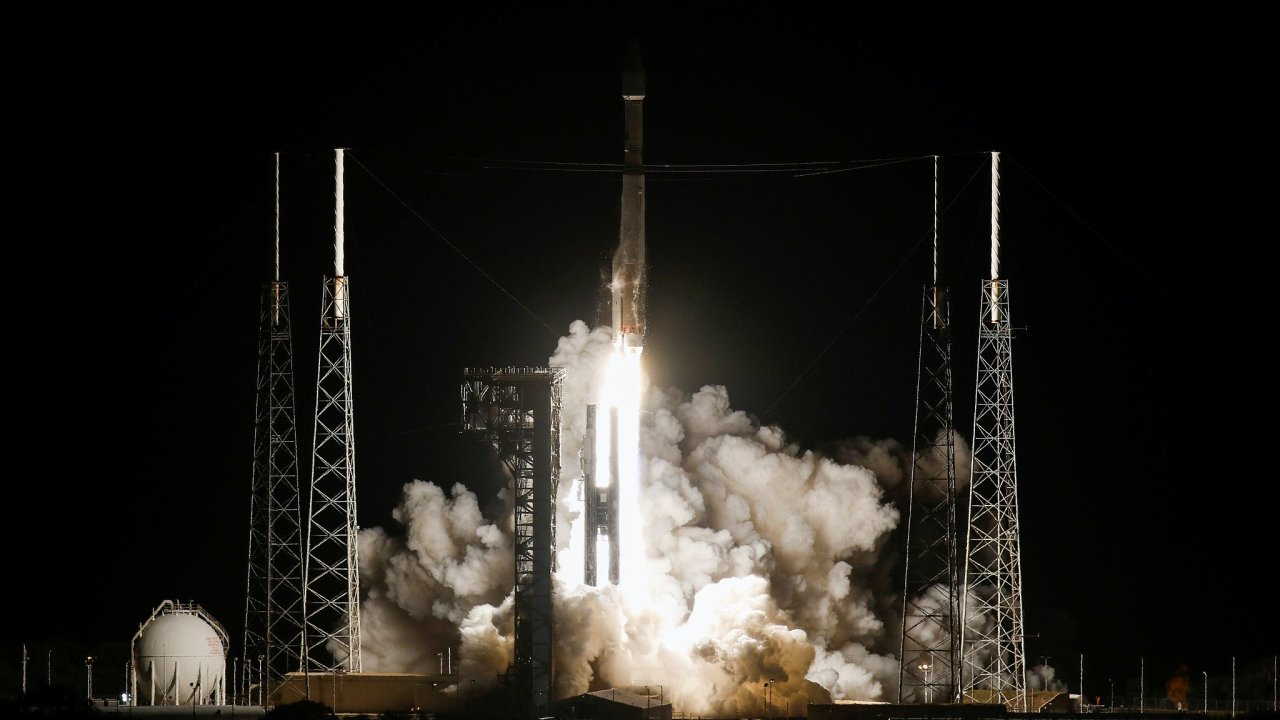 Evropskou družici Solar Orbiter vynesla americká raketa Atlas V z floridského Mysu Canaveral.