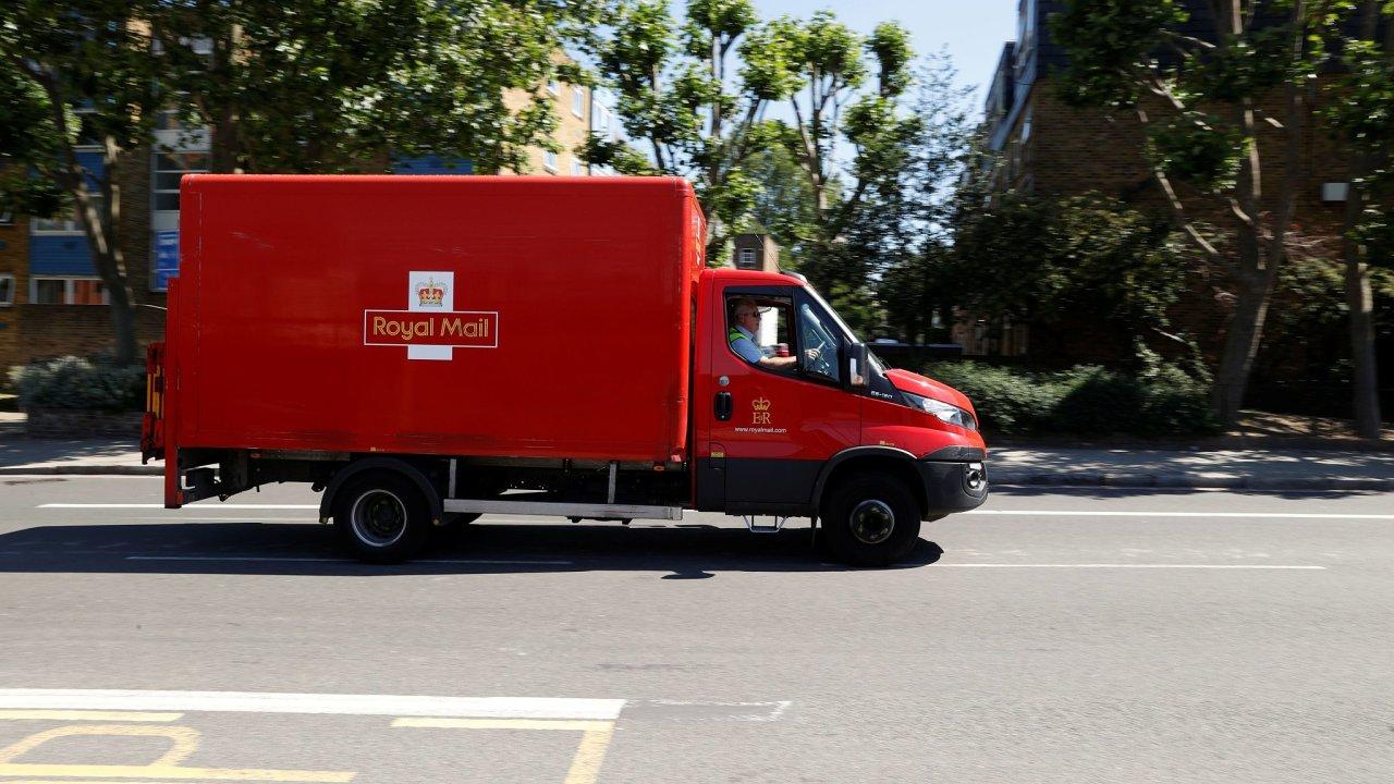 Spole4nosti Royal Mail za duben a květen klesly tržby za dopisy o 23 procent. Tržby za přepravu balíků se naopak o 28 procent zvýšily.