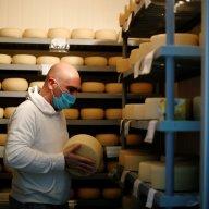 Otvírání restaurací v Americe žene vzhùru ceny sýra. Investoøi sází na zvyšování poptávky