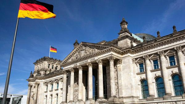 Podnikatelská důvěra v Německu klesla téměř na roční minimum.