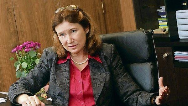 B�val� radn� �NB Eva Zamrazilov� odpov�dala na dotazy �ten��� HN.