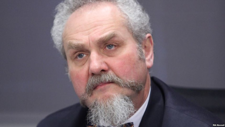 Andrej Zubov nyní připravuje druhý díl Dějin Ruska.