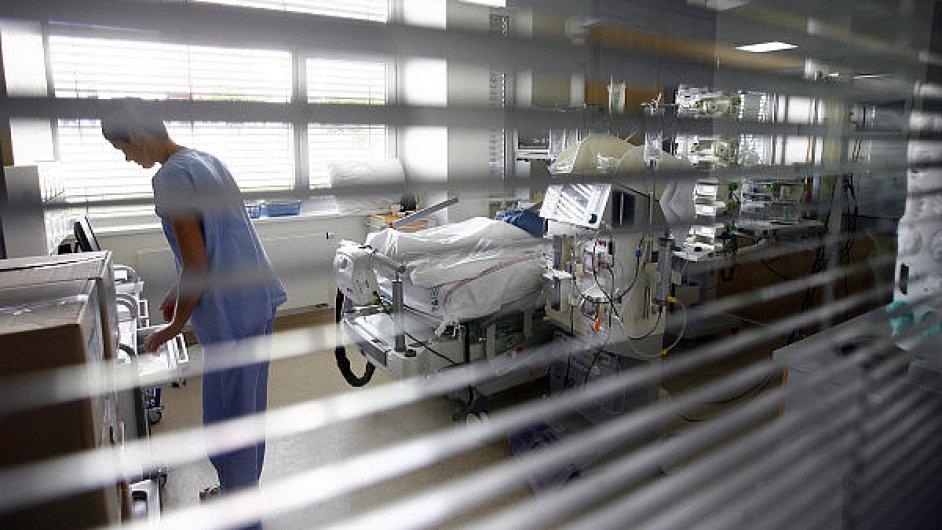 V benešovské nemocnici museli kvůli počítačovému viru zrušit i všechny plánované operace. Ilustrační foto