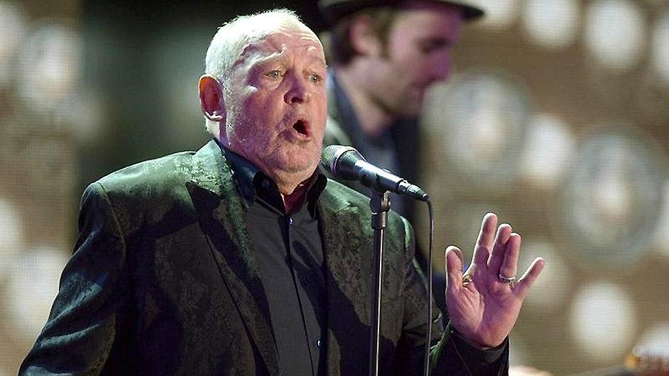 Joe Cocker na konertě v Berlíně v únoru 2013.