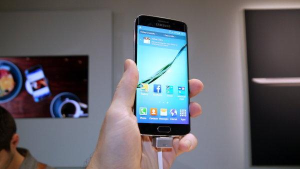 Galaxy S6: Telefon pln� nov�ch technologi�, kter� nezap�e inspiraci iPhonem