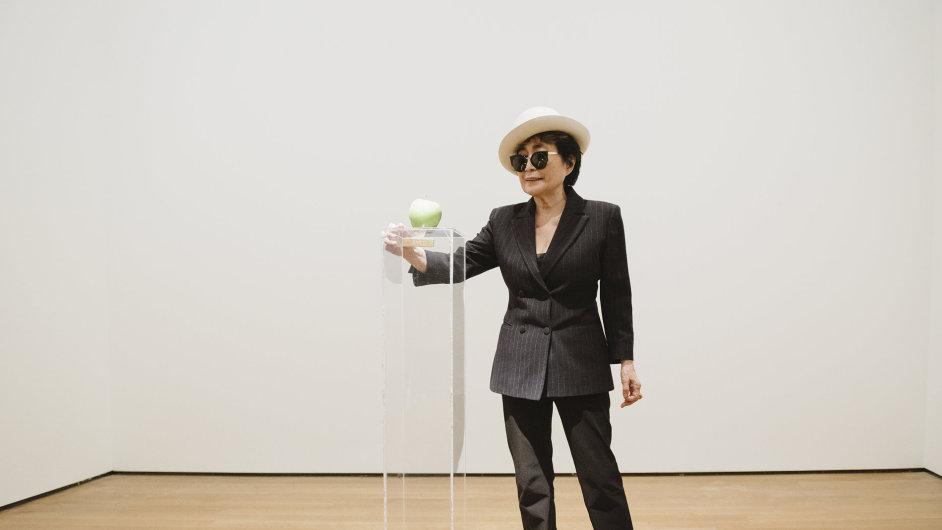 Snímky z výstavy Yoko Ono