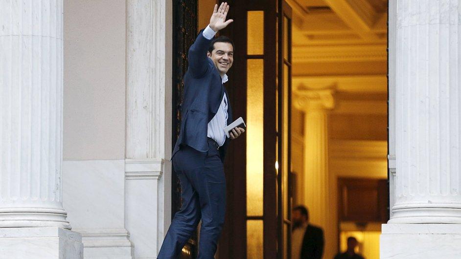 Řecký premiér Alexis Tsipras se vrátil z Bruselu do Atén.
