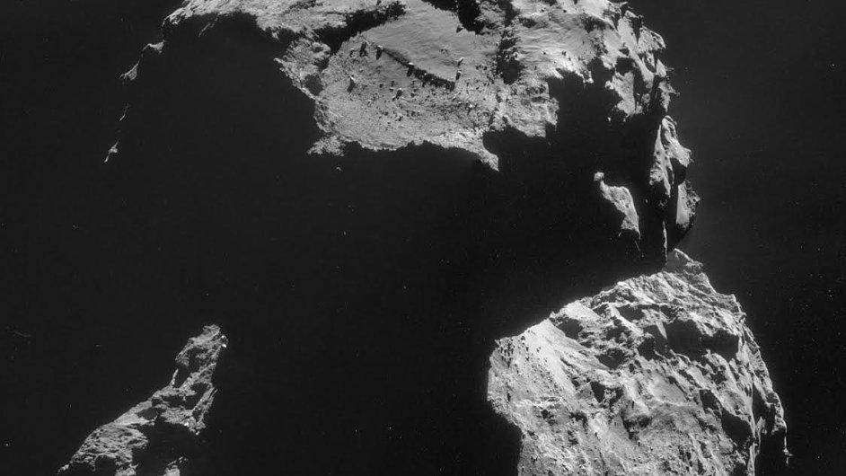 Snímky z mise ke kometě Čurjumov-Gerasimenko