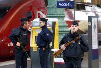 Policejní kontroly na nádraží Gard du Nord.