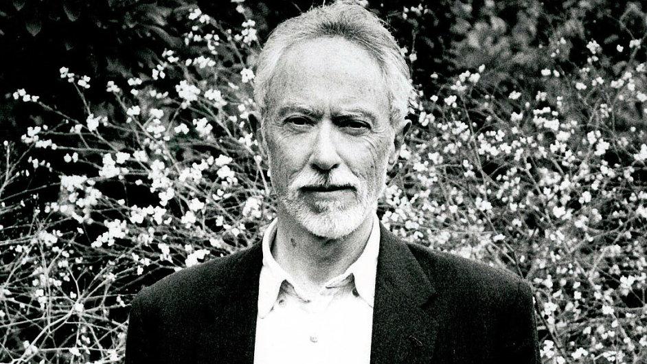 J. M. Coetzee získal Nobelovu cenu za literaturu v roce 2003.
