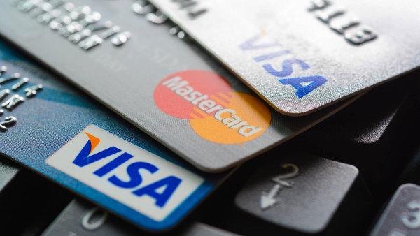 Obce si přijímání platebních karet pochvalují, kritizují však výši poplatků - Ilustrační foto.