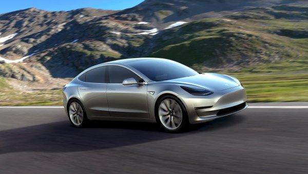 Tesla Motors díky novému investorovi získá hotovost na zvýšení objemu výroby a produkci Modelu 3.