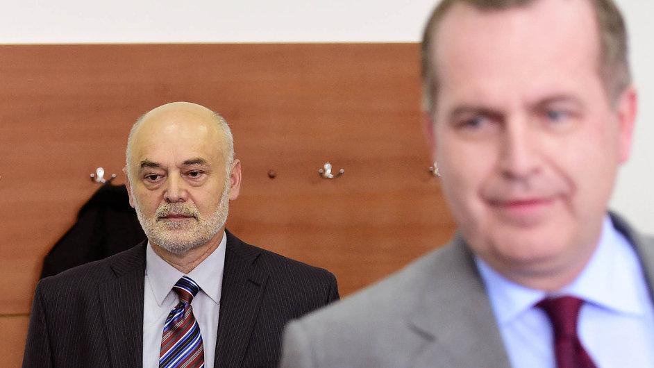 Fyzik Ivan Ošťádal (vlevo).