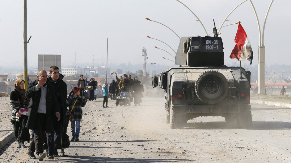 Irácká armáda dobyla celý východní Mosul, sdělilo ministerstvo