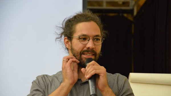 Na snímku ze čtvrteční konference je Ondřej Buddeus, dočasně pověřený řízením Českého literárního centra.