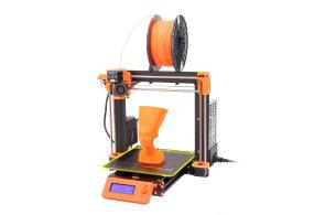 Průša představil novou verzi své 3D tiskárny. Je chytřejší, ale jde proti původním ideálům