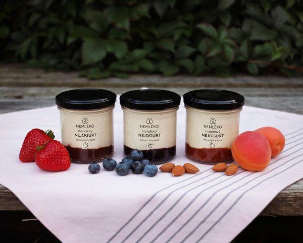 Nejogurty se budou vyrábět ve třech příchutích.