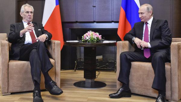 Prezident Ruska Vladimir Putin přijal 21. listopadu ve své černomořské rezidenci Bočarov ručej v Soči prezidenta ČR Miloše Zemana.
