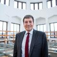 Nový ministr prùmyslu Hüner chystá snadnìjší nábory cizincù. Musí si ale poradit i s jádrem nebo evropskými dotacemi