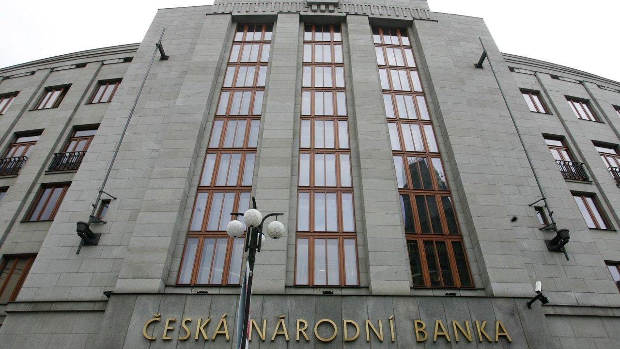 V budově ČNB se ve čtvrtek 2. listopadu bude rozhodovat o úrokových sazbách. A velmi pravděpodobně půjdou opět nahoru.