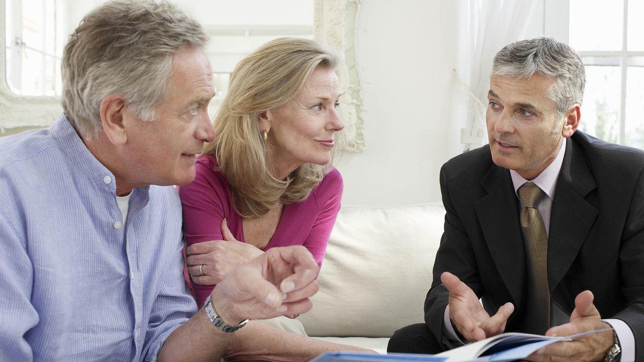 Seniorů, kteří vlastní nemovitost a mají penzi kolem 10 tisíc korun, bude přibývat, říkají zakladatelé firmy Qwert - Ilustrační foto.