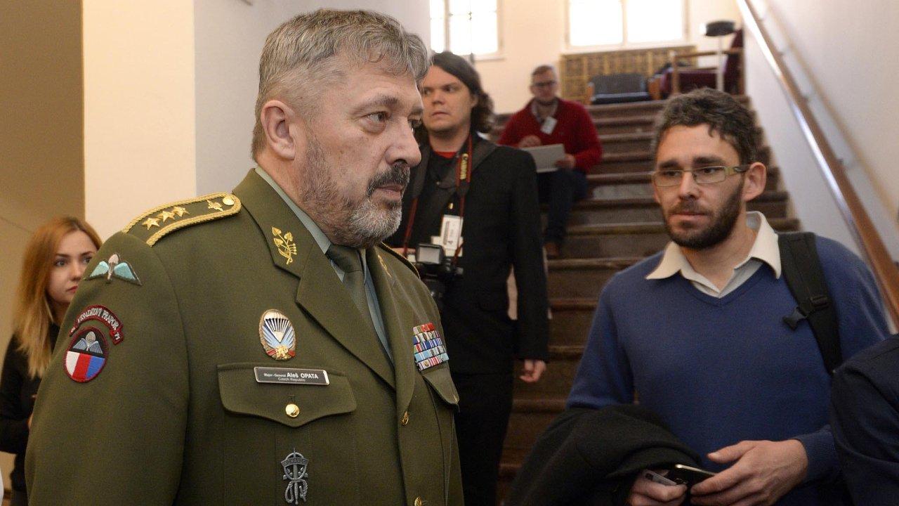Nový náčelník Generálního štábu Aleš Opata (vlevo)