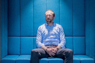 """""""Hledáme start-upy aspolupracujeme snimi jednoduše proto, že vtom vidíme byznysovou příležitost,"""" říká jednatel E.ON v Česku Tomáš Bělohoubek."""