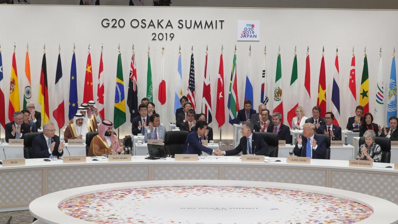 Lídři G20 na závěrečné části summitu v japonské Ósace.