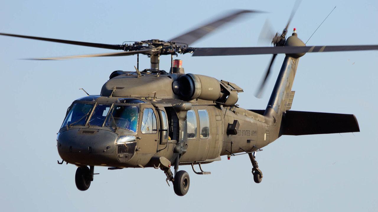 Kandidát. Vrtulník Black Hawk by mohl být ve výzbroji české armády, pokud jeho výrobce zvítězí nad konkurentem v souboji o tuto zakázku.