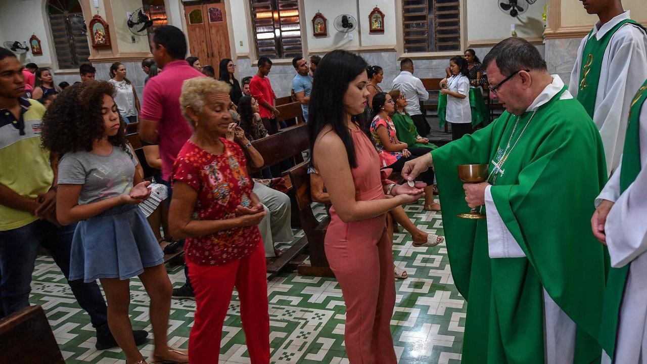 K jihoamerickým církevním hodnostářům podporujícím svěcení ženatých jáhnů na kněze v odlehlých oblastech Amazonie patří také brazilský biskup Wilmar Santin.