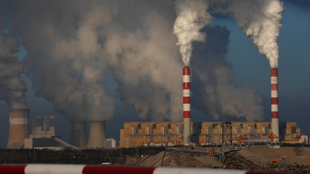 Největší podíl výroby energie z uhlí má tradičně Polsko.