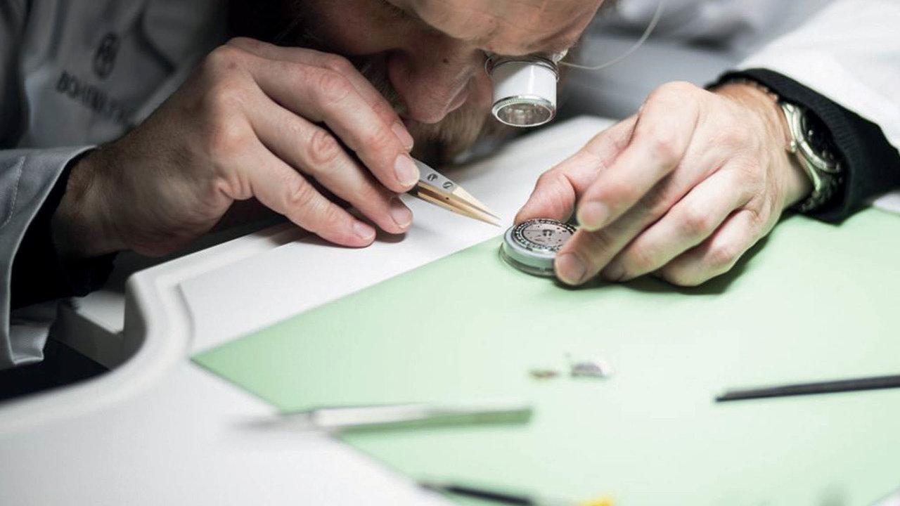 První model hodinek Bohematic se jmenuje Graphic Sutnar achystal se takřka rok. Výroba probíhá vmoderní manufaktuře vNovém Městě nad Metují.