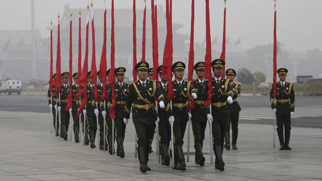 Vztahy USA s Čínou se nejdříve ochladily během obchodní války obou mocností. Pandemie koronaviru však situaci ještě zhoršila, míní čínský ministr zahraničí.