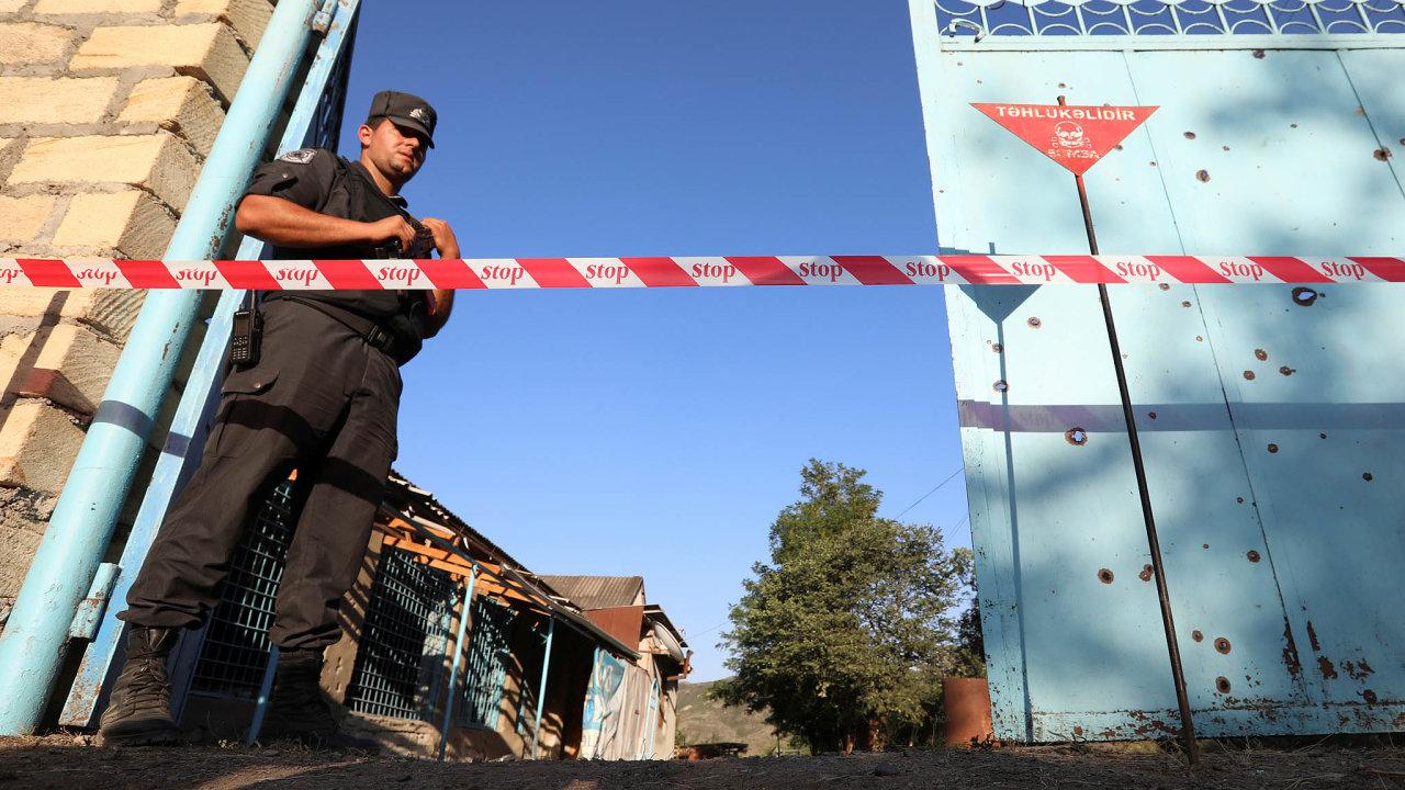 Oběti minometů: Ázerbájdžán evakuoval kvůli dělostřelbě obyvatele tří vesnic vzóně konfliktu.