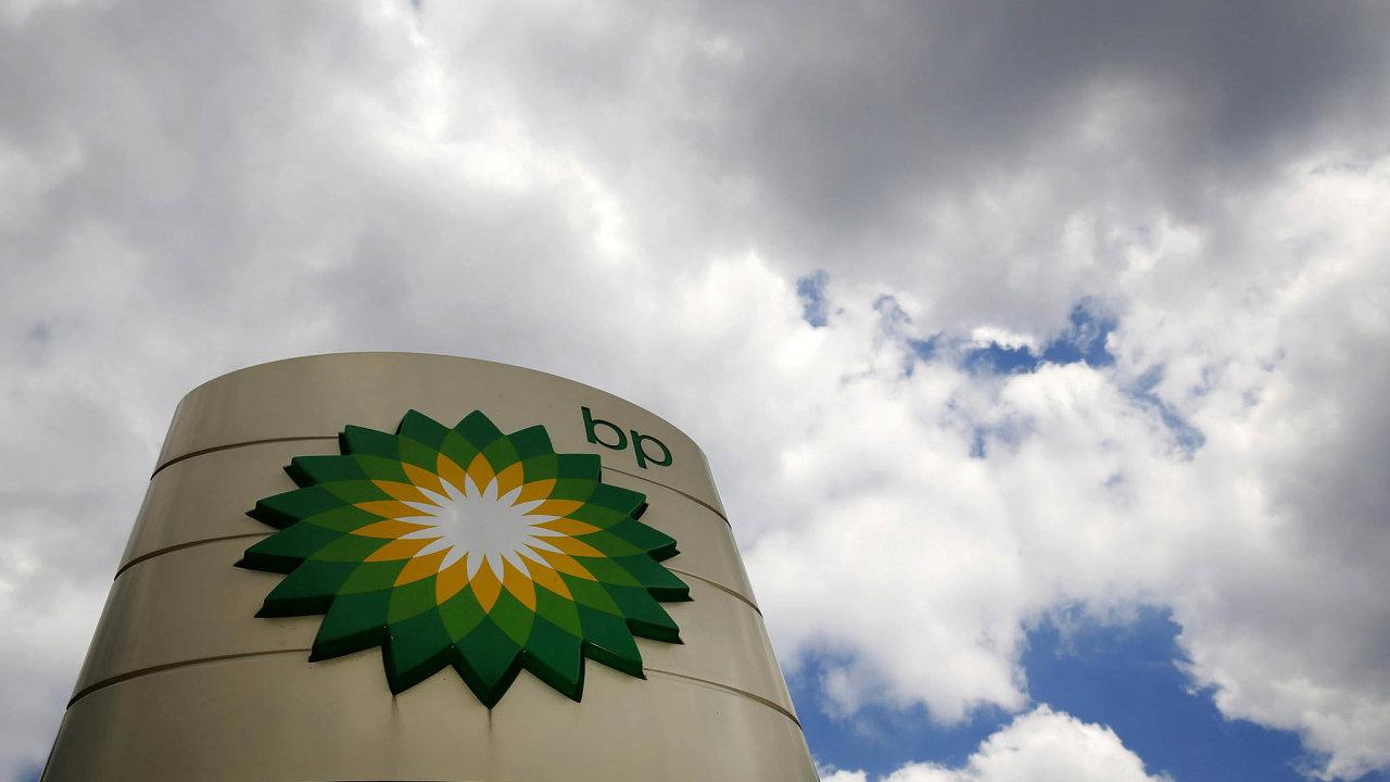 """Mračna nad BP? Společnost BP si jen během druhého čtvrtletí půjčila 16 miliard dolarů. Přitom ji """"hora dluhů"""" tíží už oddoby, kdy musela řešit havárii vrtu Deepwater Horizon zroku 2010."""