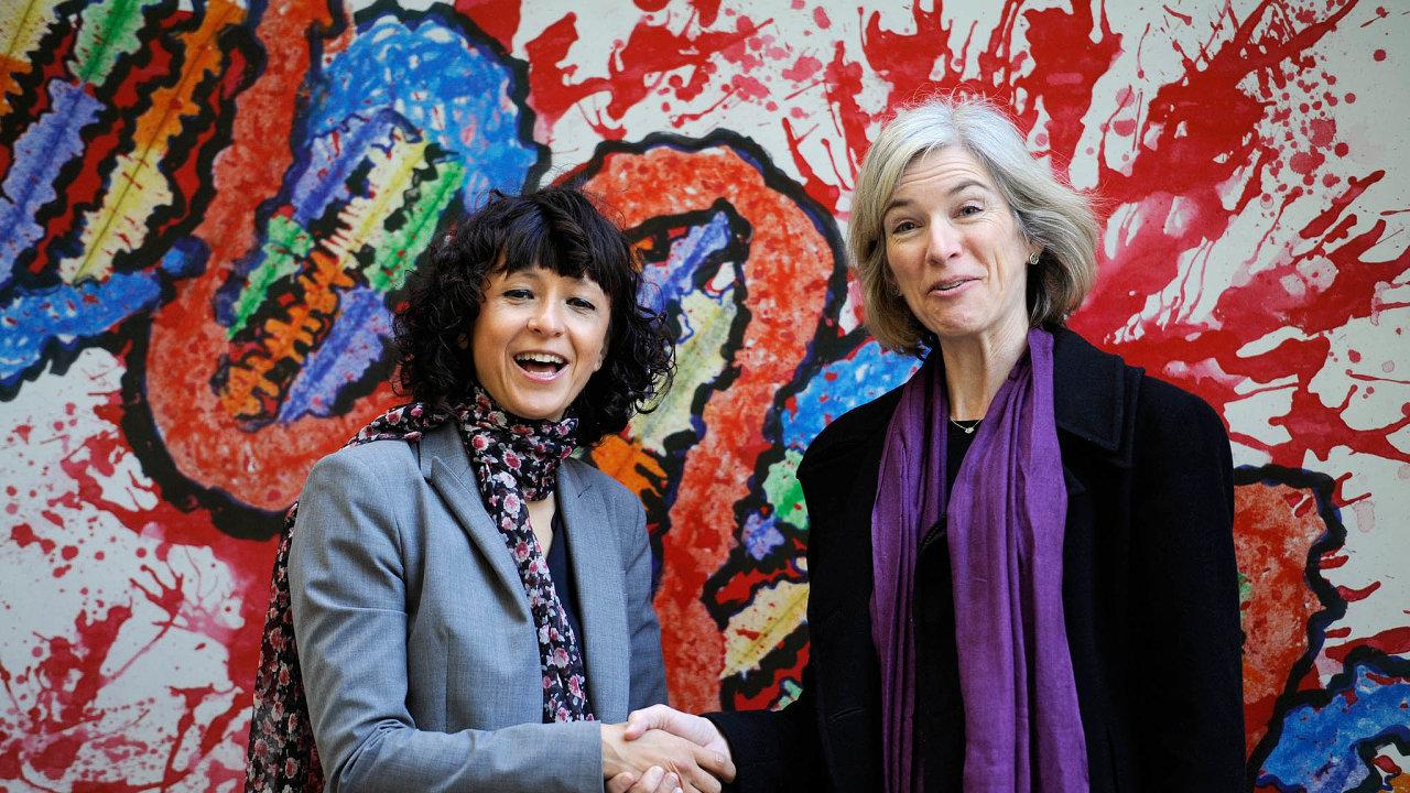Nobelistky. Biochemičky, Francouzka Emmanuelle Charpentierová (vlevo) a Američanka Jennifer Doudnaová, jsou čerstvými nobelistkami. Uvědomují si rizika objevu, jenž umožňuje měnit genetickou informaci.