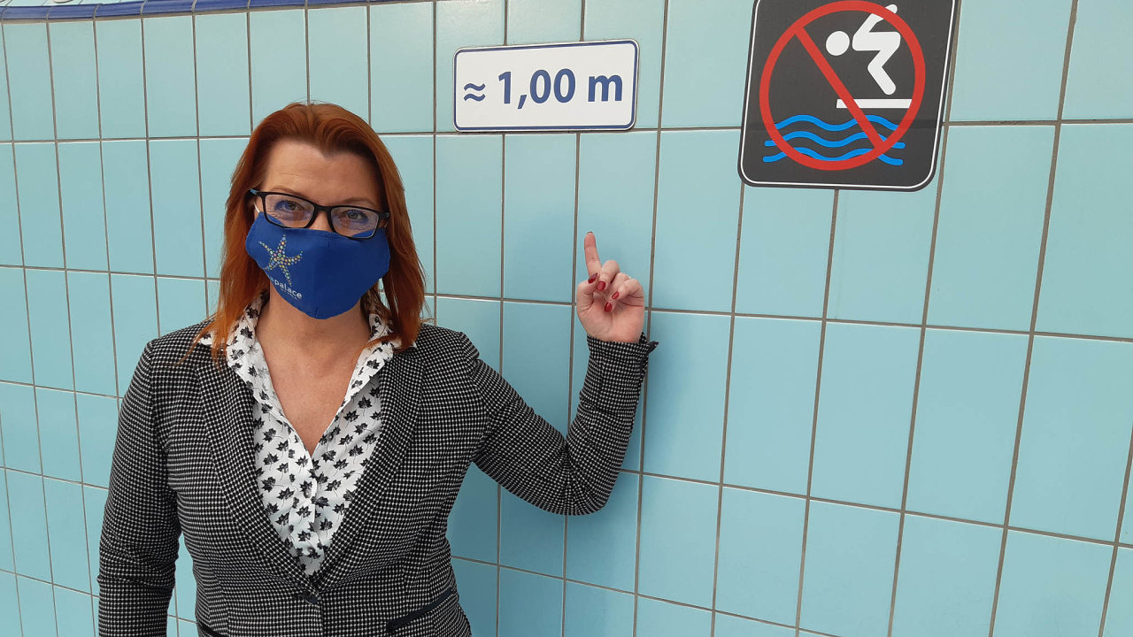 Vladana Horáková, generální ředitelka Aquapalace Praha, žádá státní podporu dřív, než se bazény utopí vdluzích.