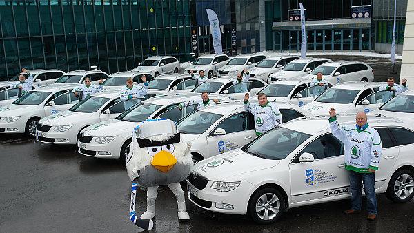 �esko zaznamenalo v prodeji nov�ch aut v dubnu n�r�st 13,5 %, nejv�t�� mezi dvan�cti nejv�znamn�j��mi trhy.