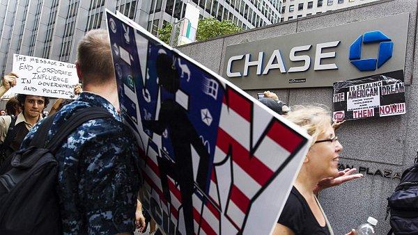 Aktivist� z hnut� Occupy Wall Street protestuj� zejm�na proti spole�ensk� a ekonomick� nerovnosti � ilustra�n� foto.
