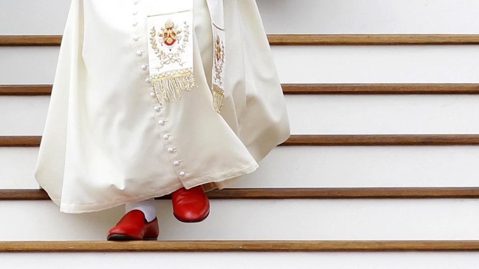 Oblečení papeže