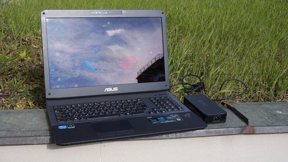 Asus G75, impozantní herní notebook