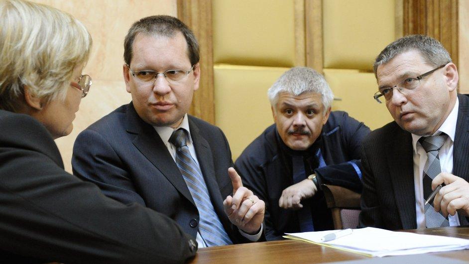 Právní zástupce senátorů Hrádela a poslanec sociální demokracie Zaorálek u Ústavního soudu