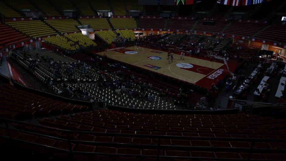 Blackout postihl i basketbalový zápas mezi Paraguayí a Dominikánskou republikou v Caracasu
