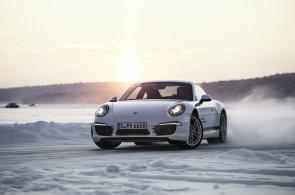 Nebojte se zasněžených silnic. Připravte sebe a auto na zimu, možností je hodně