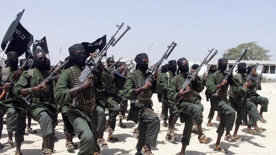 Ozbrojenci z islamistických milicí Šabáb měli v minulosti na svědomí několik útoků (ilustrační foto).