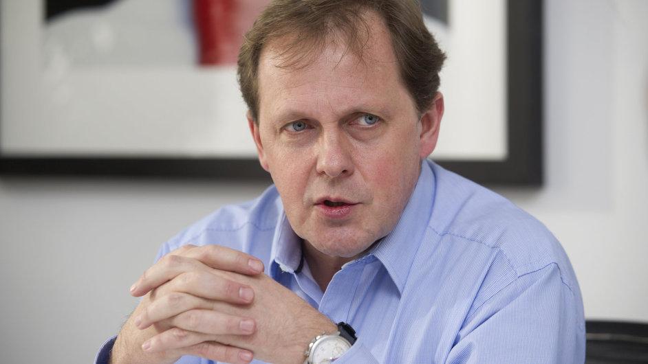 Generální ředitel České televize Petr Dvořák se vymezil proti nařčení z nehospodárnosti instituce.