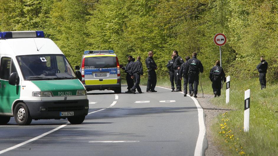 Německá policie prohledává okolí trasy cyklistického závodu, který se měl stát terčem teroristického útoku.