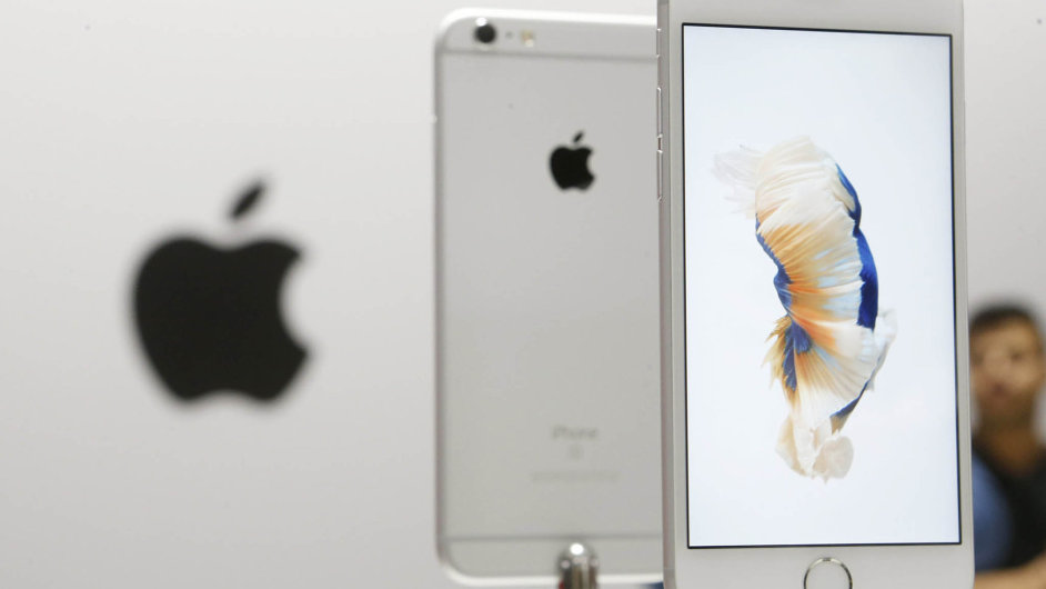 Apple se v iOS 9 snaží usnadnit používání telefonu díky předpovídání potřeb uživatele.