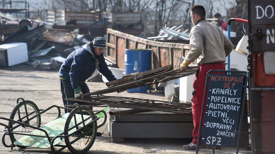 Ministerstvo od 1. března zavedlo novelu vyhlášky, která zakazuje výkup šrotu za hotové.