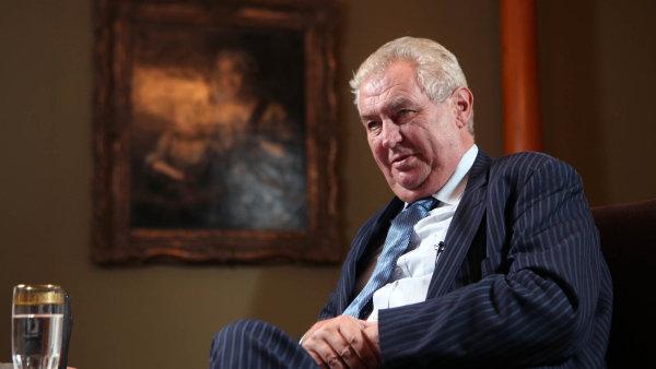 Prezident Miloš Zeman v minulosti uvedl, že novinář Ferdinand Peroutka označil Hitlera za gentlemana - Ilustrační foto.